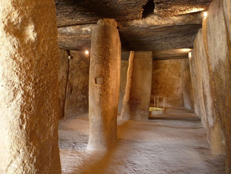 Visita Guiada DÓLMENES + TORCAL<br /><strong>Los Dólmenes y El Torcal de Antequera <strong class='extra_info_articulo'>- desde 25.00 €  </strong></strong>