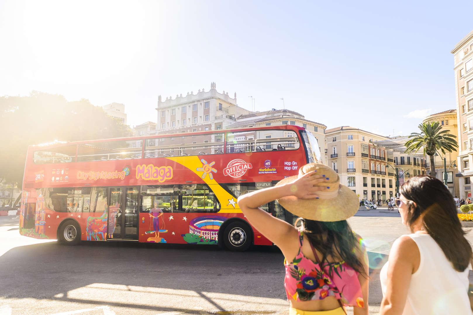 Foto de MÁLAGA EXPERIENCE (24H BUS TURÍSTICO + WALKING TOUR + SHOW FLAMENCO)