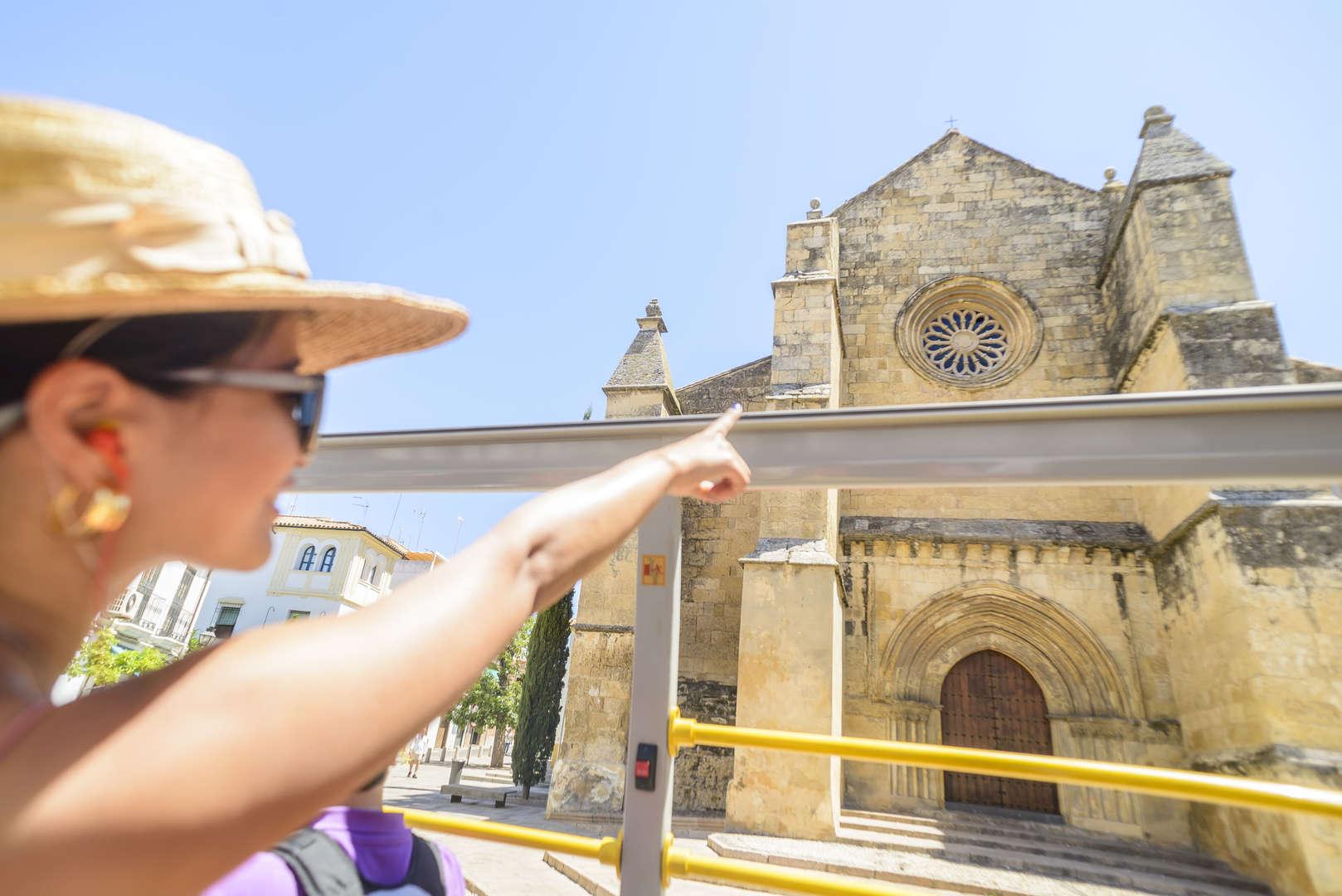 Foto de BUS TURÍSTICO CÓRDOBA (24H + 2 WALKING TOURS)