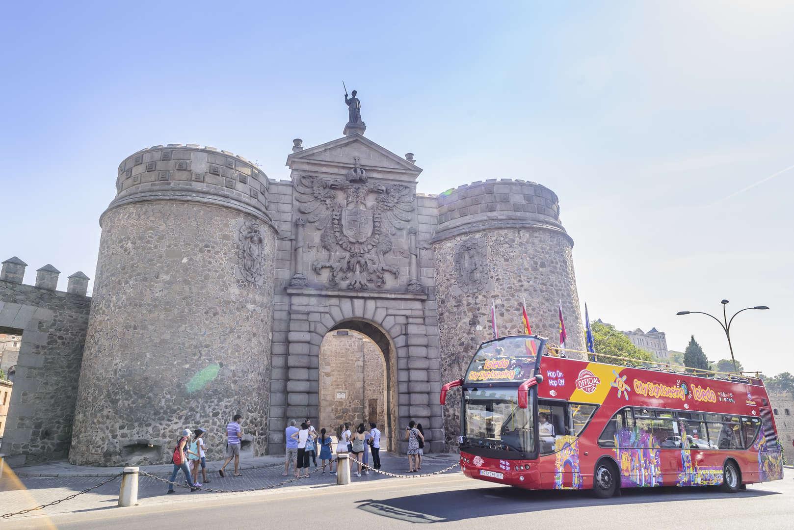 Foto de CITY SIGHTSEEING CATEDRAL SKIP-THE-LINE (24H BUS TURÍSTICO + ENTRADA AL ALCÁZAR + ENTRADA CATEDRAL SIN COLAS)