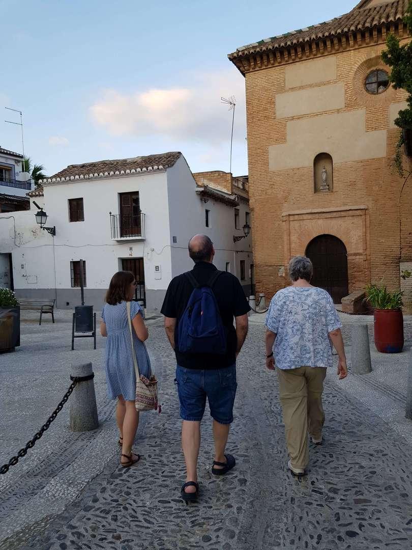 Foto de ATARDECER EN EL ALBAICÍN Y SACROMONTE DE GRANADA EN GRUPO PREMIUM EN INGLÉS