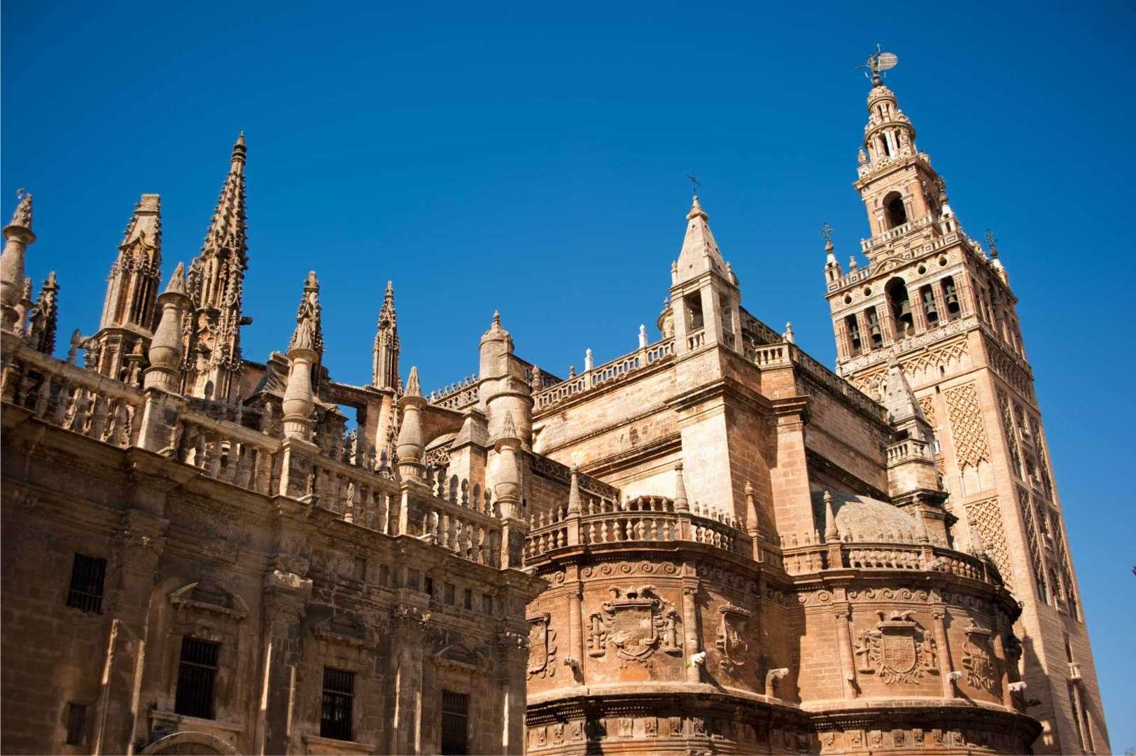 VISITA LA CATEDRAL DE SEVILLA<br /><strong>VISITA en ESPAÑOL <strong class='extra_info_articulo'>- desde 29.00 €  </strong></strong>